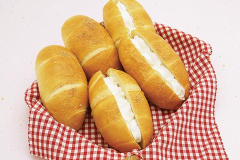 07-セレンゲティ ホイップ塩パン