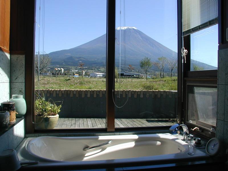 浴室からの富士